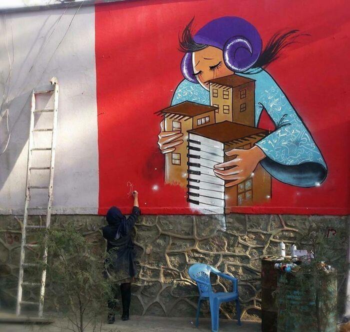 42 obras de arte tocantes da primeira artista de rua feminina do Afeganistão, Shamsia Hassani 9