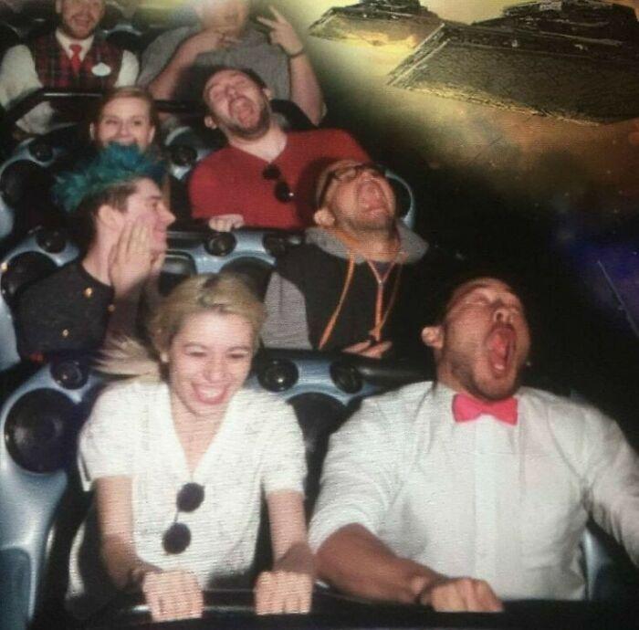 45 fotos hilárias de pessoas que se divertiram além da conta na montanha-russa 3