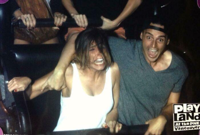 45 fotos hilárias de pessoas que se divertiram além da conta na montanha-russa 7