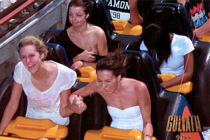 45 fotos hilárias de pessoas que se divertiram além da conta na montanha-russa 28
