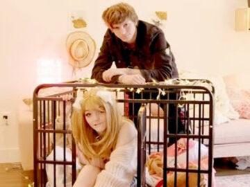 Rapaz se diz dono da namorada e compra uma jaula para ela 2