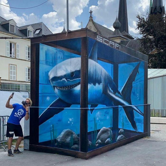 Artista de rua francês pinta graffiti de criaturas em 3D e não é para os fracos de coração (43 fotos) 24