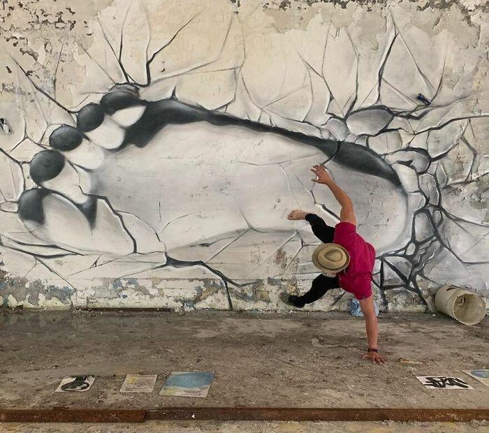 Artista de rua francês pinta graffiti de criaturas em 3D e não é para os fracos de coração (43 fotos) 38