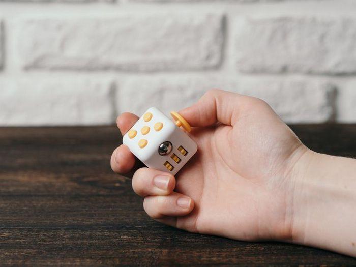 Fatos sobre Fidget Toys o brinquedo que é mania do momento entre as crianças 6