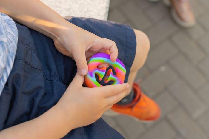 Fatos sobre Fidget Toys o brinquedo que é mania do momento entre as crianças 8
