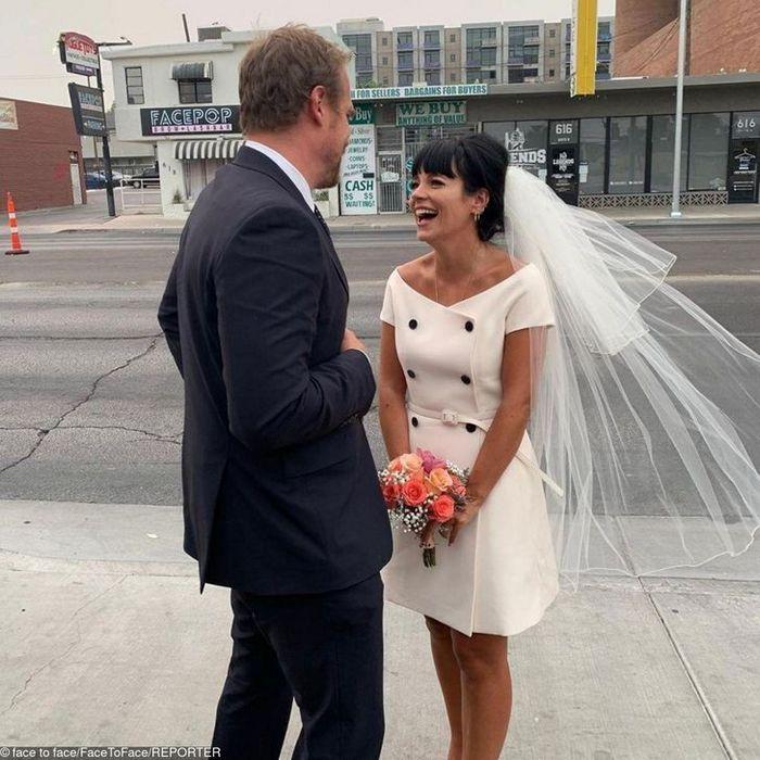 12 noivas que não quiseram saber dos tradicionais vestidos brancos 12